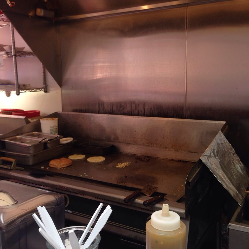 Jeny's Tacos: 215 S Main St, Kendallville, IN