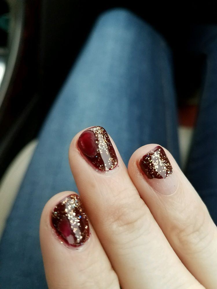 Top Nails: 513 W Town Center Blvd, Champaign, IL