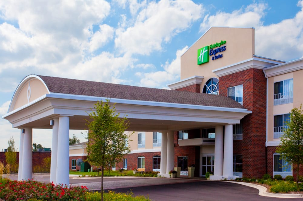 Holiday Inn Express & Suites NEW MARTINSVILLE: 1202 N State Rte 2, New Martinsville, WV
