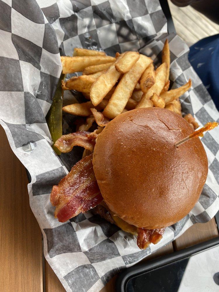Fabiano's River House Bar & Grill: 104 W Grand River Ave, Portland, MI