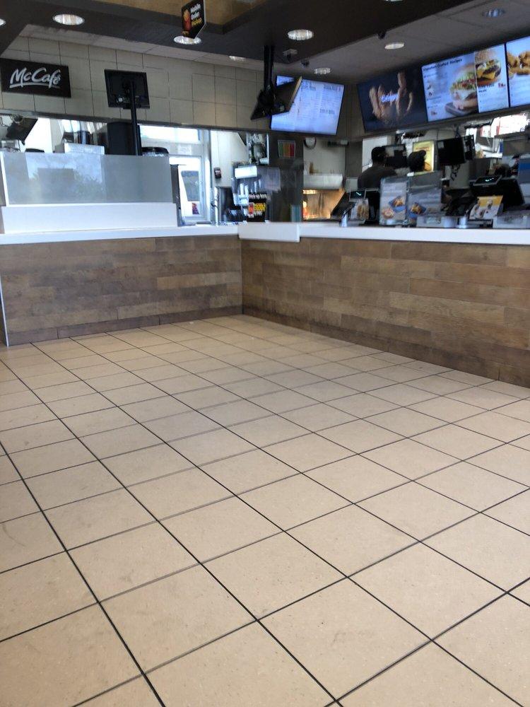 McDonald's: 5102 Summer Xing, Texarkana, TX