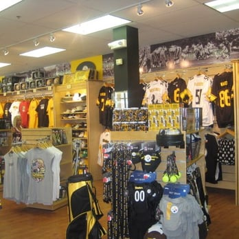 pretty nice 70ec0 2a8de Pittsburgh Steelers Sideline Store - Outlet Stores - 1911 ...
