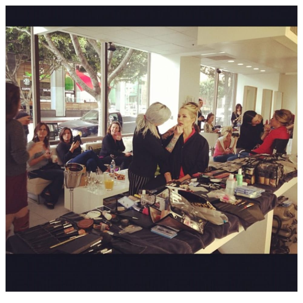 Neihule Nail Salon Los Angeles: Guest Getting Ready For The Grammy Awards