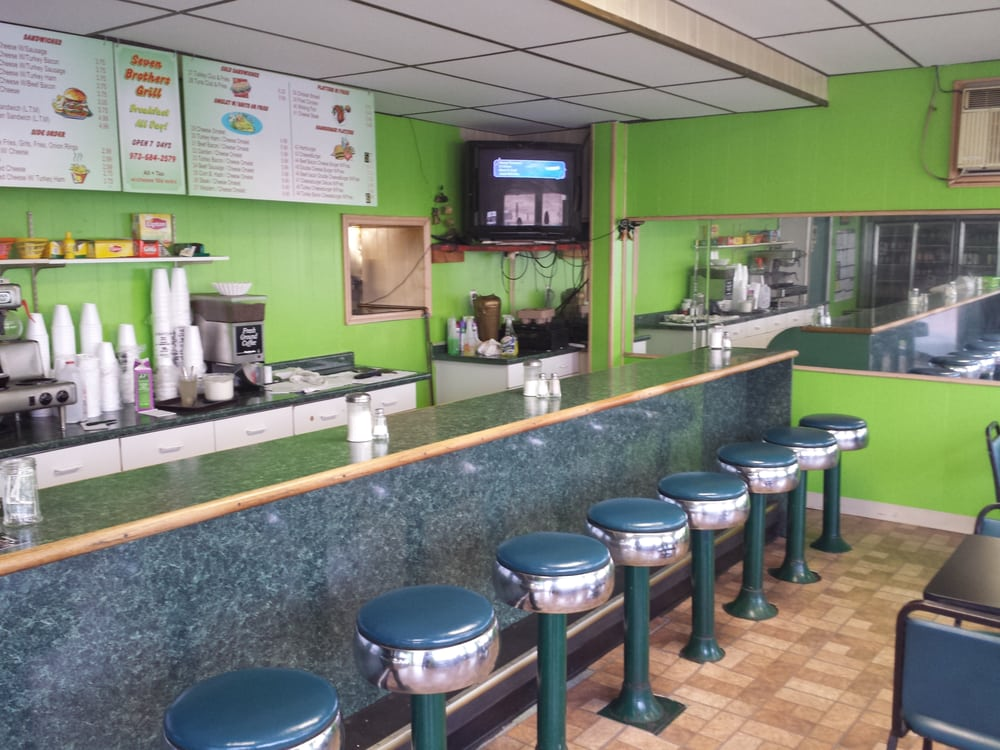 Seven brothers grill diners 846 market st paterson for Fish market paterson nj
