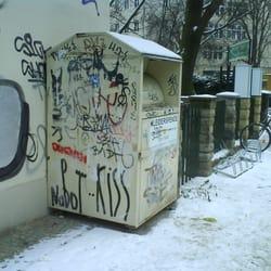 Kleidercontainer berlin friedrichshain