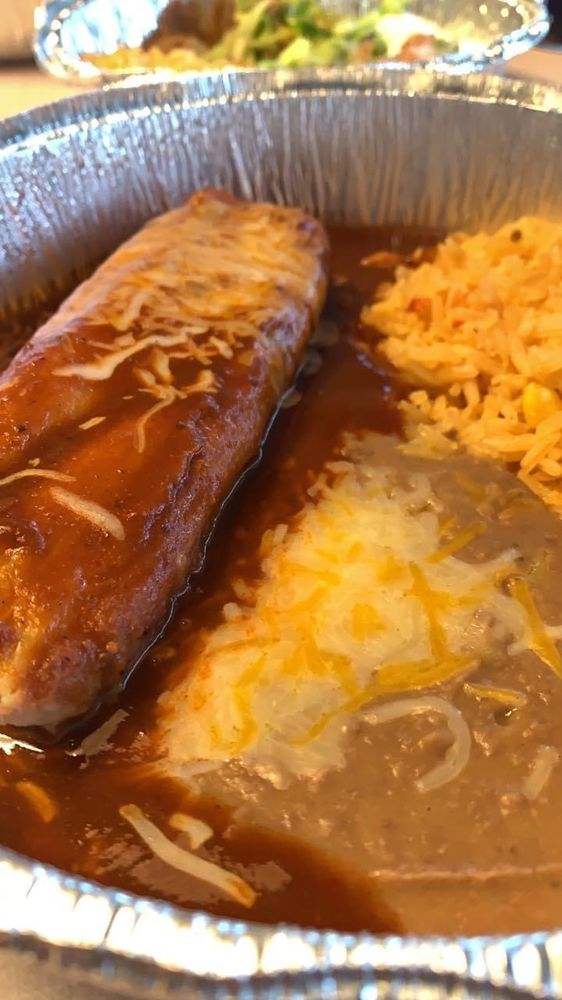 Candiles Mexican Restaurant: 111 N Main St, Buhler, KS