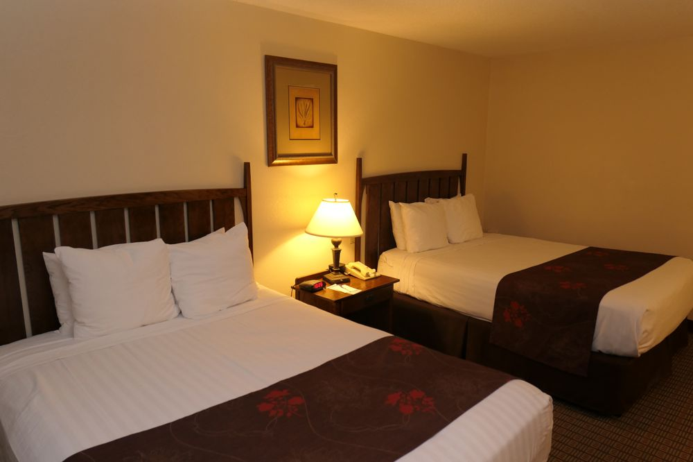 Best Western Prairie Inn & Conference Center: 300 S Soangetaha Rd, Galesburg, IL