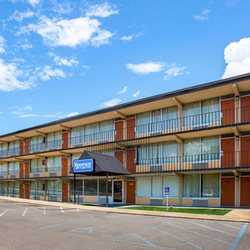 Photo Of Rodeway Inn Suites Tupelo Ms United States