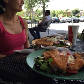 Good Salad Restaurants In Claremont Ca