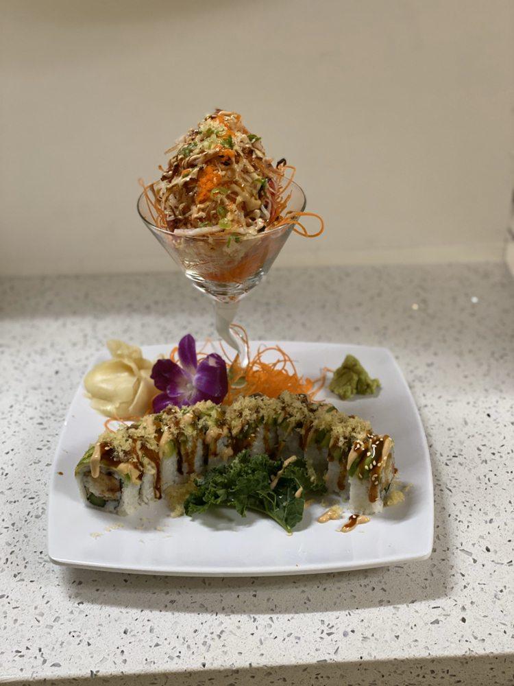 Marikami Thai & Sushi: 5781 Lee Blvd, Lehigh Acres, FL