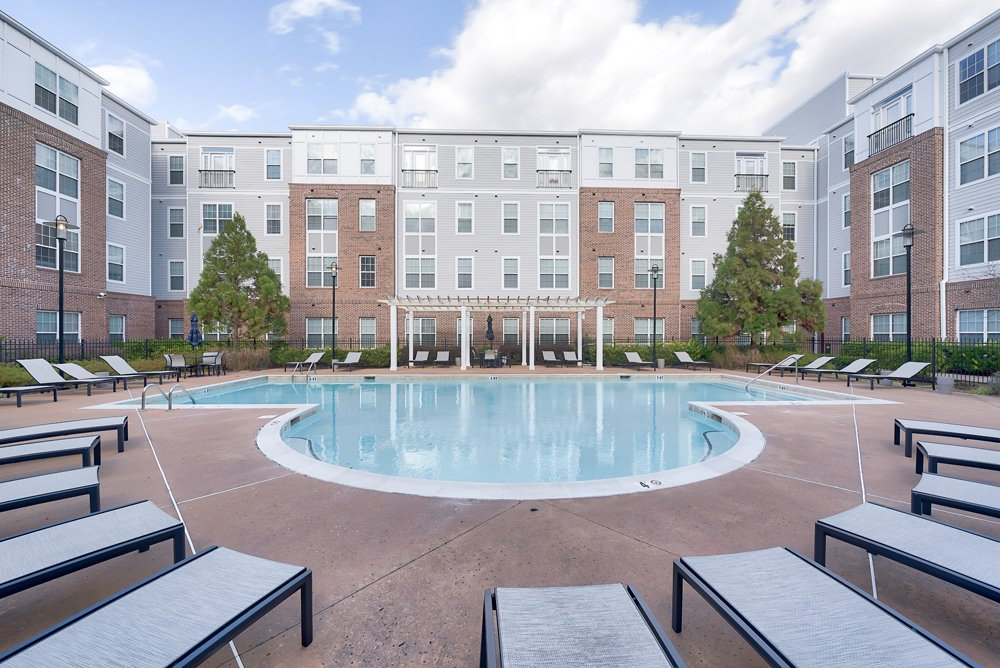 First Street Place Apartments: 400 W 1st St, Greenville, NC