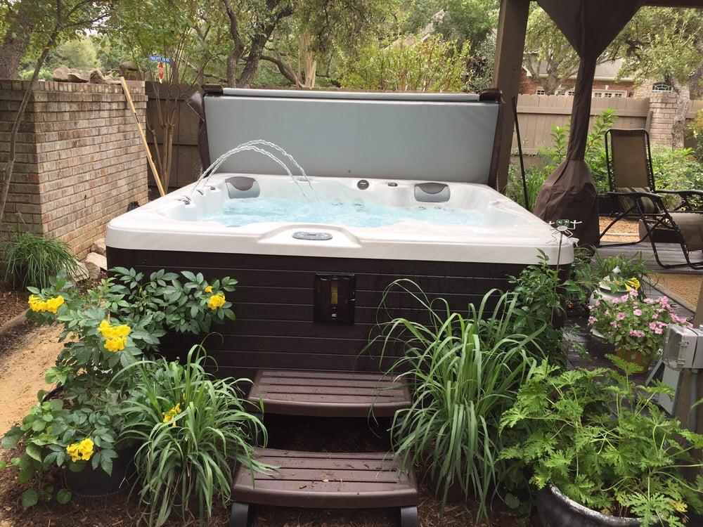 Sweetwater Spas & Hot Tubs