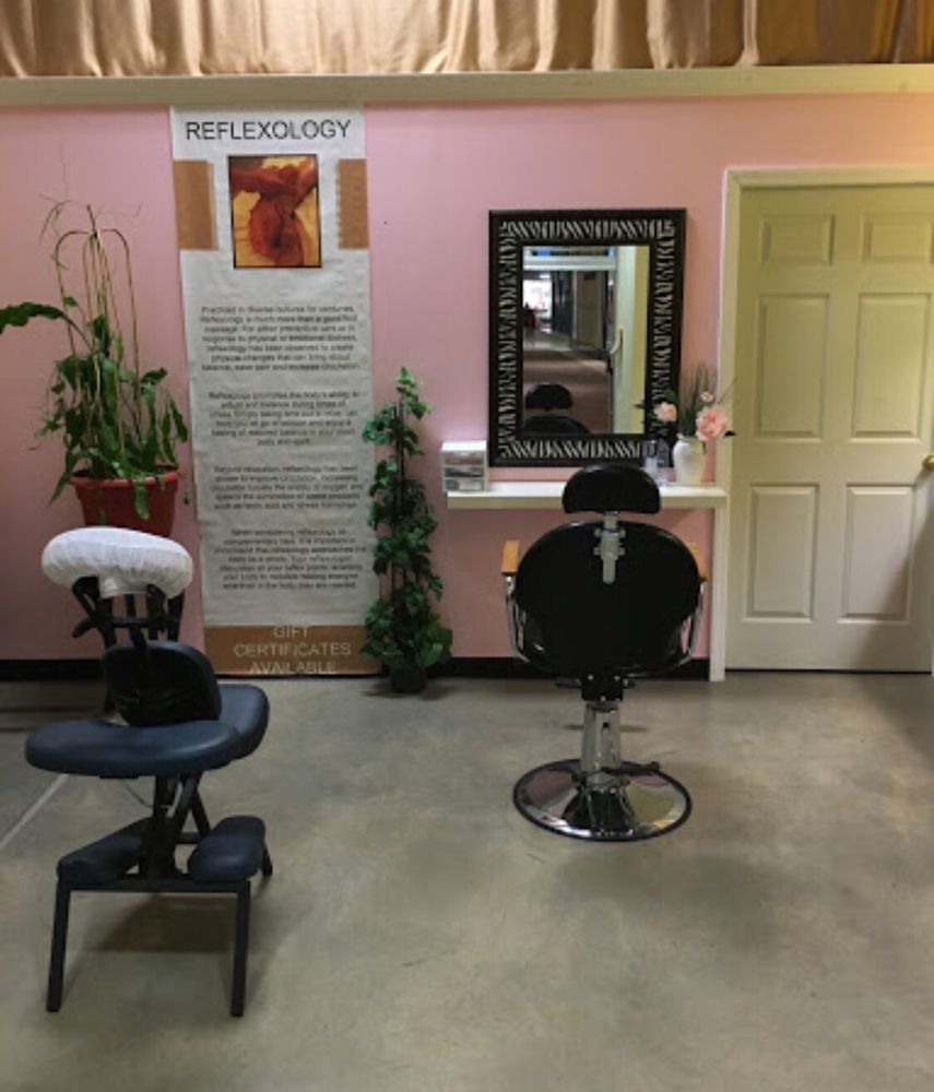 Lulu Massage: 153 Pittsburgh Mills Cir, Tarentum, PA
