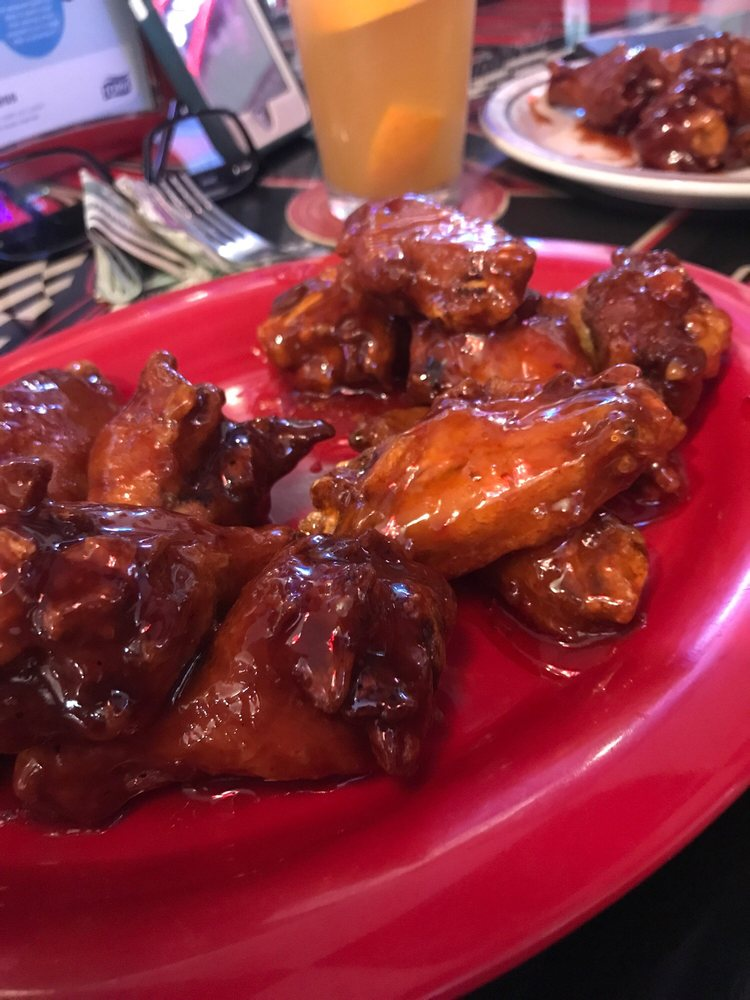 Victory Lane Bar & Grill: 628 Lombard St, Clarence, IA