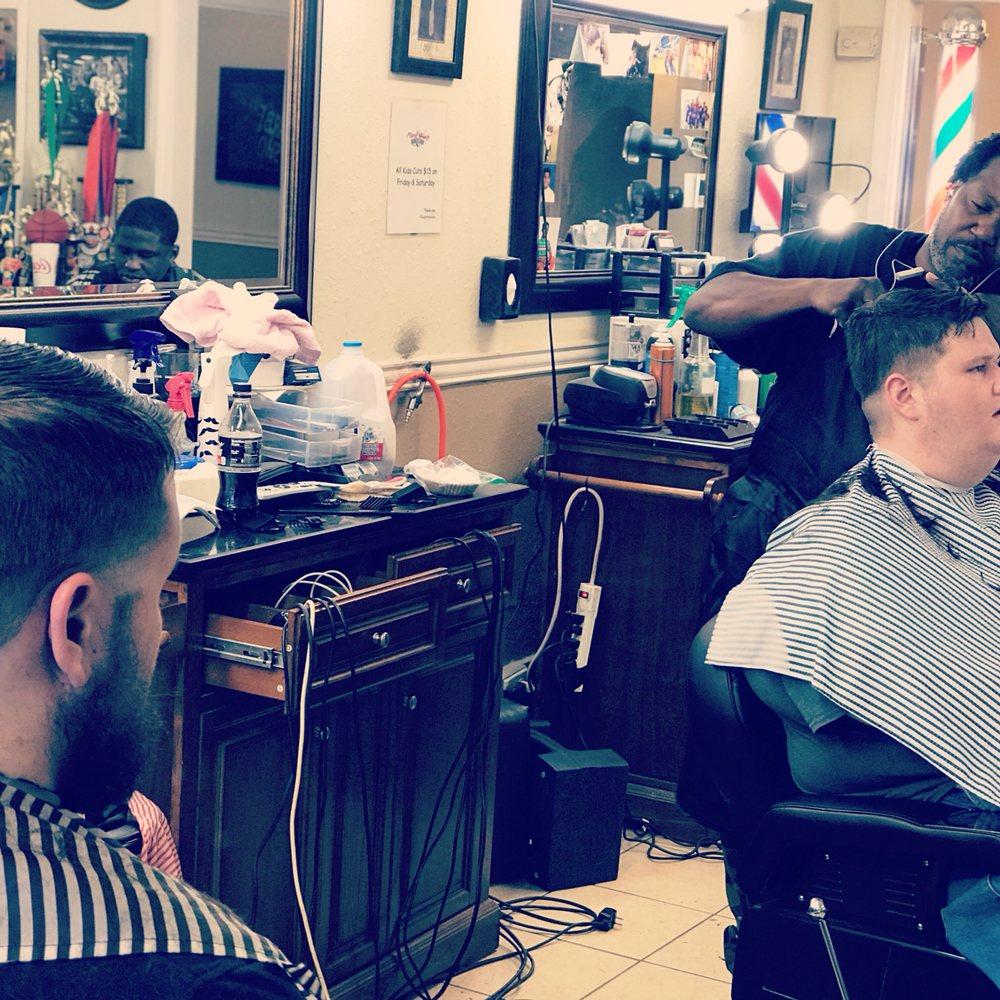 Razor Sharp Barbershop: 1211 1st St, La Marque, TX
