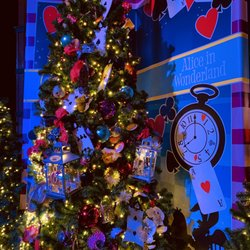 Disney Springs Christmas Tree Trail 275 Photos 13 Reviews