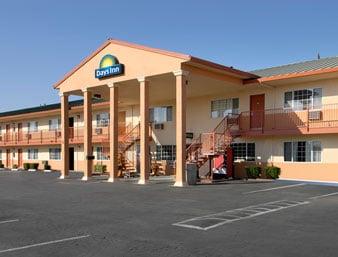 Days Inn by Wyndham Red Bluff: 5 Sutter Street, Red Bluff, CA