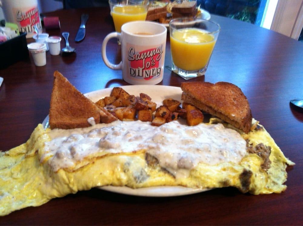 Sammy Jo's Dinner: 593 West Ave, Crossville, TN