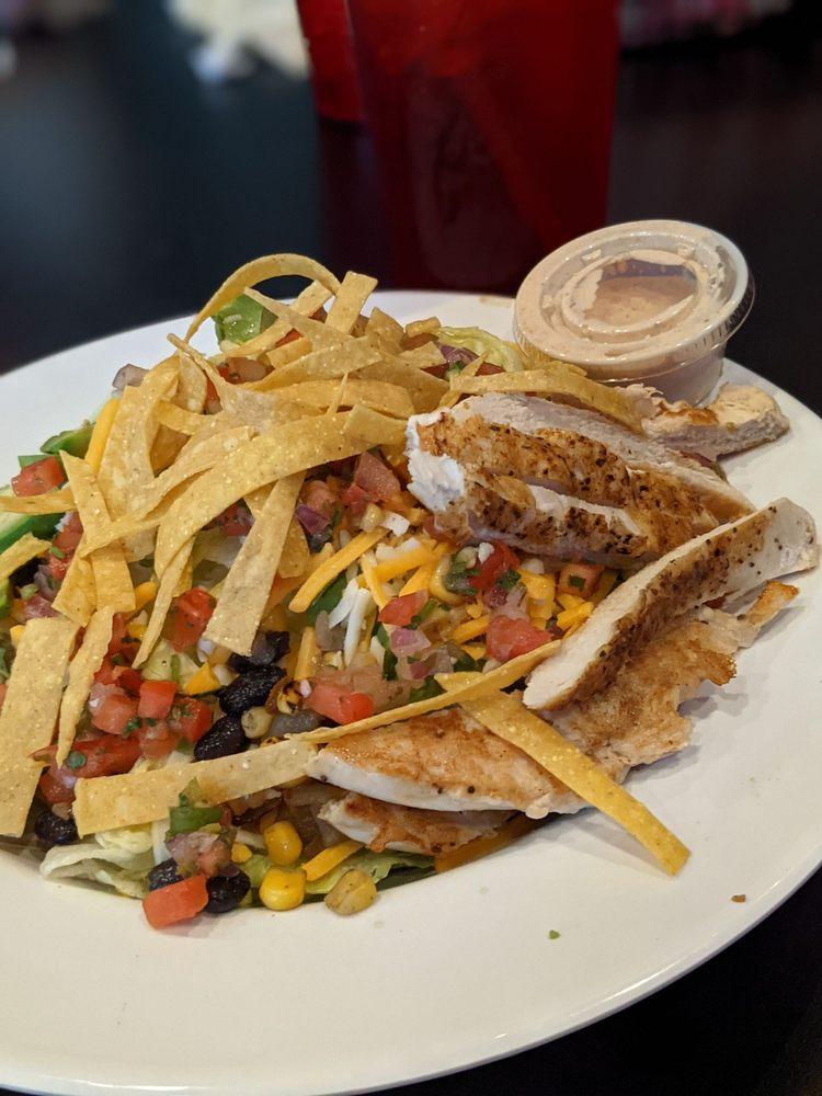 The Wheelhouse Bar & Grill: 4501 Southern Hills Dr, Sioux City, IA