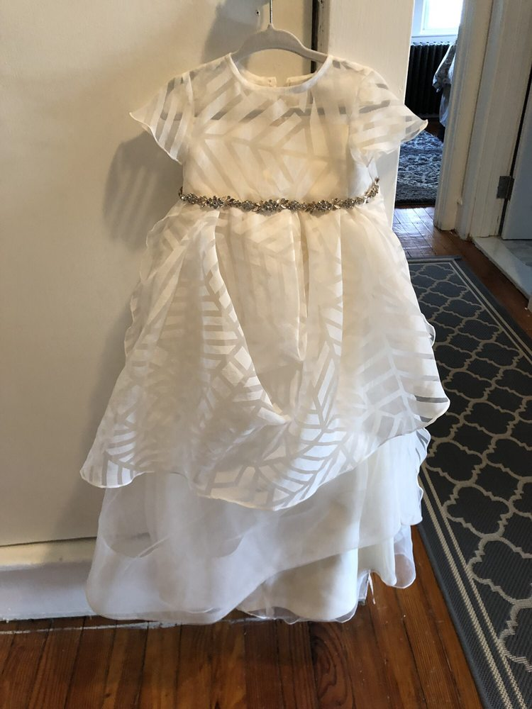 Lorrie's Alterations and More: 816 Eldridge Ave, Collingswood, NJ