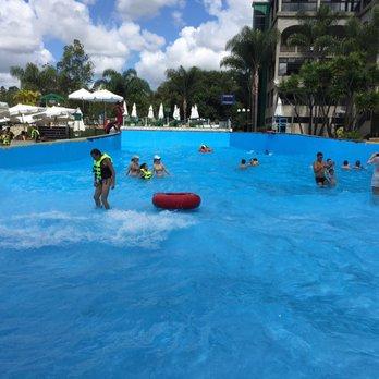 Parque hotel pimonte hotels rodovia br 369 km 25 s o for Piscina wave