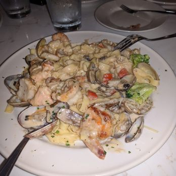 Photo Of Paolo S Italian Restaurant Kent Wa United States Seafood Fettuccine