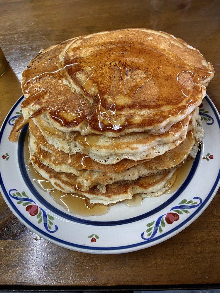 Sunday Diner: 36 Stave Mill St, Clayton, GA