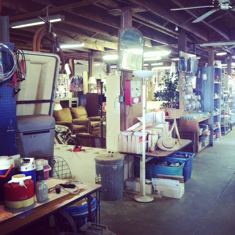 The Garage Sale: 310 E 9th St, Mount Pleasant, TX