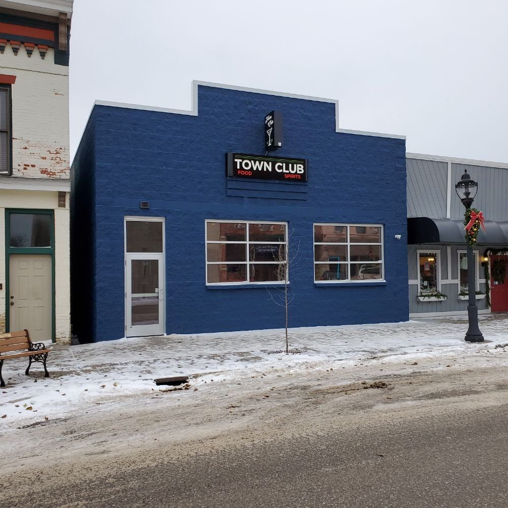 Town Club: 133 River St, Elk Rapids, MI