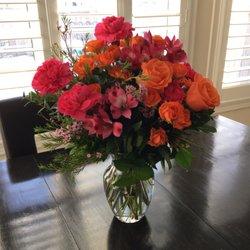 Linda S Floral Designs Floral Designers 12 Holland St West