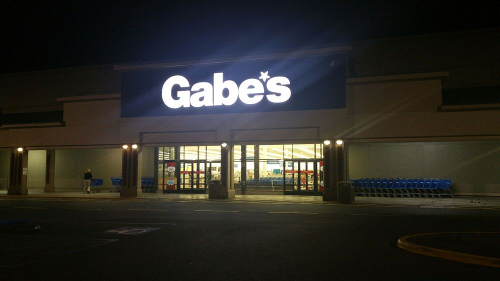 Gabe s discount 130 delco plz winchester va stati for Affordable furniture va winchester va