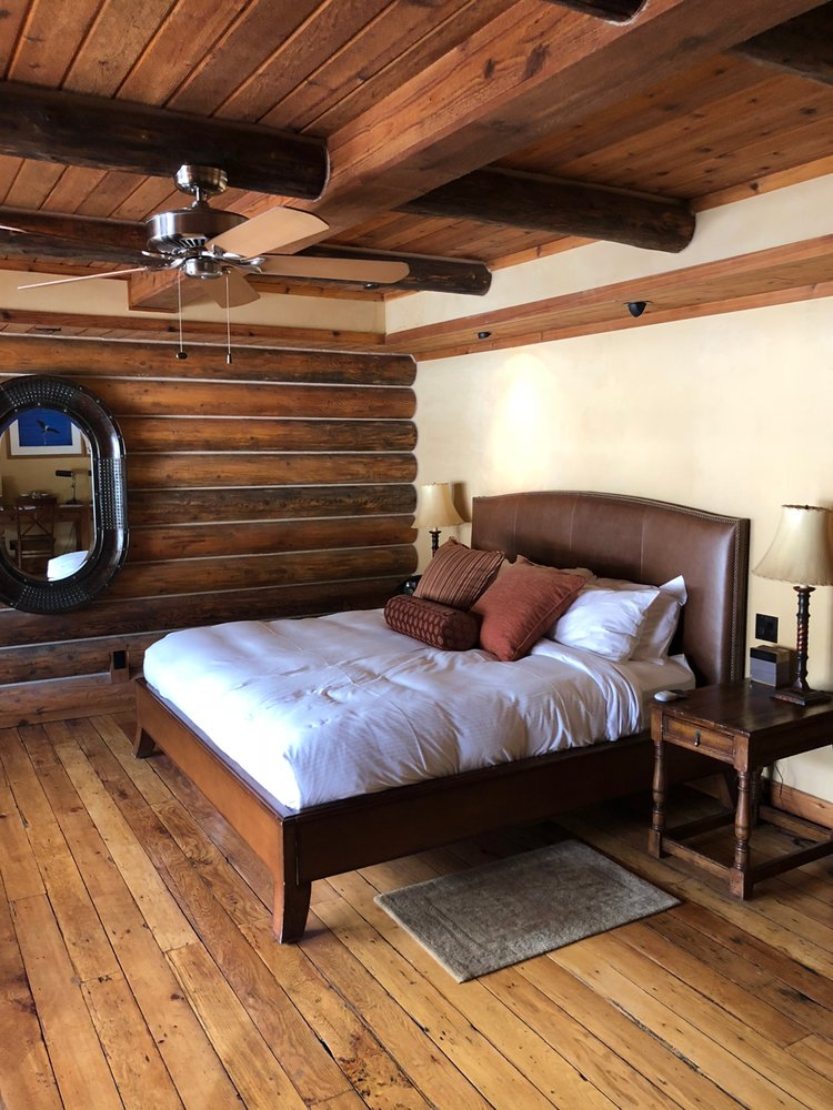 Rainbow Ranch Lodge: 42950 Gallatin Rd, Gallatin Gateway, MT