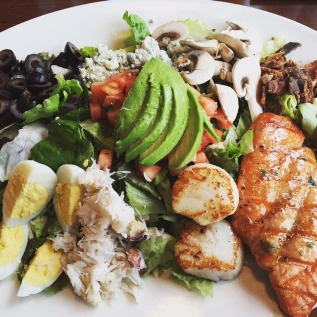 Amazing big fish cobb salad yelp for Big fish grill issaquah