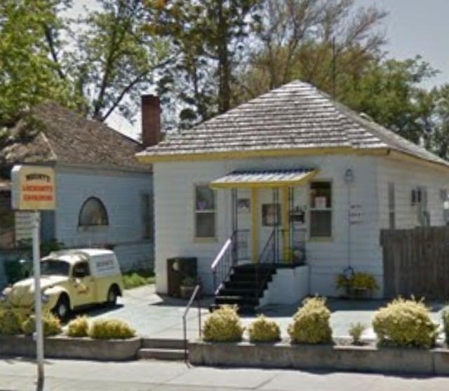 Mount's Safe Lock & Engraving: 415 W 1st Ave, Kennewick, WA
