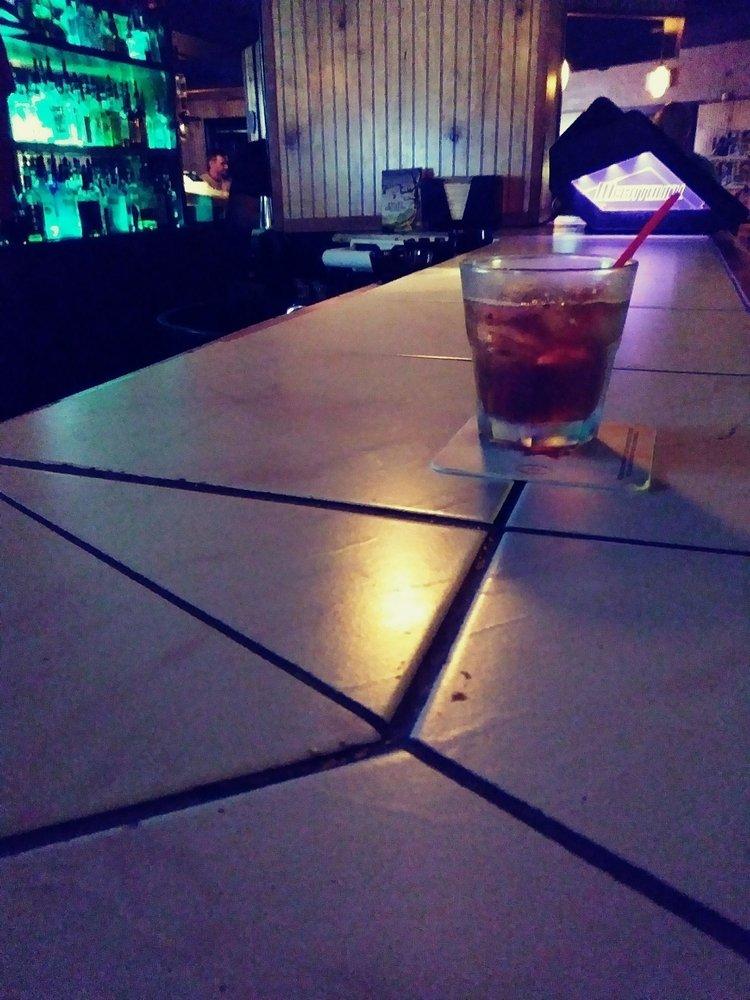 Pro Shop Pub: 840 Cleveland St, Clearwater, FL