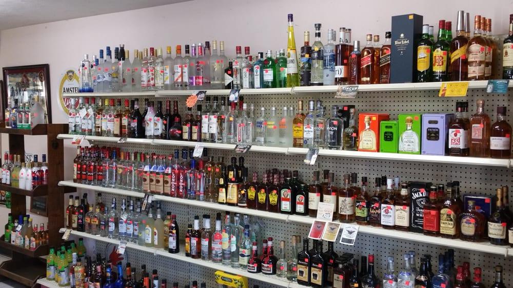 Pontoosuc Package Store: 731 S Main St, Lanesboro, MA