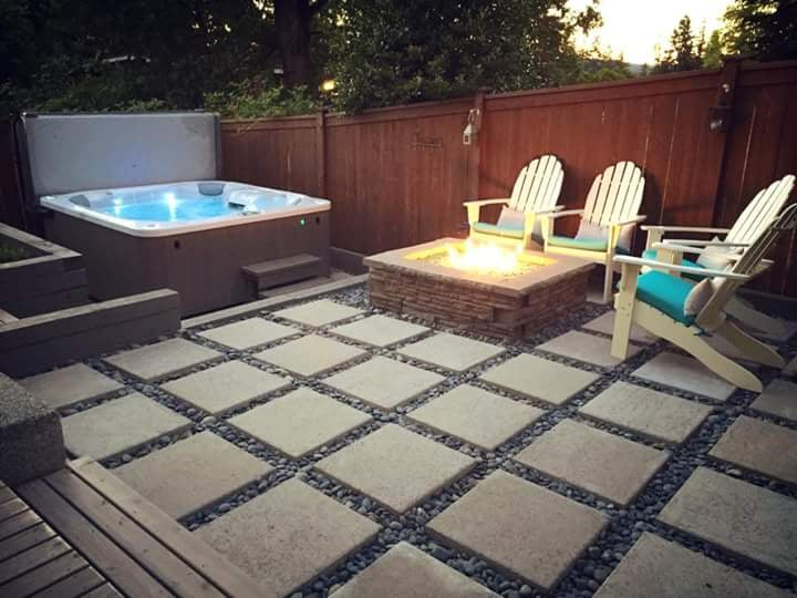 Hot Tub Platform With Retaining Wall Steps To Deck Patio