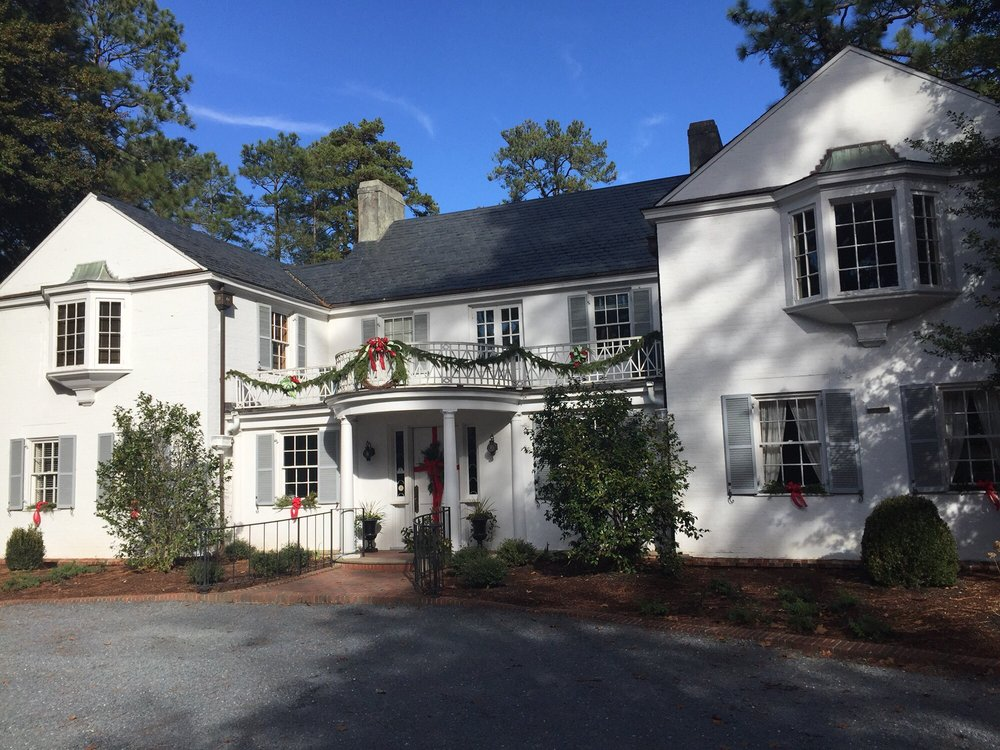 Weymouth Center For the Arts & Humanities: 555 E Connecticut Ave, Southern Pines, NC