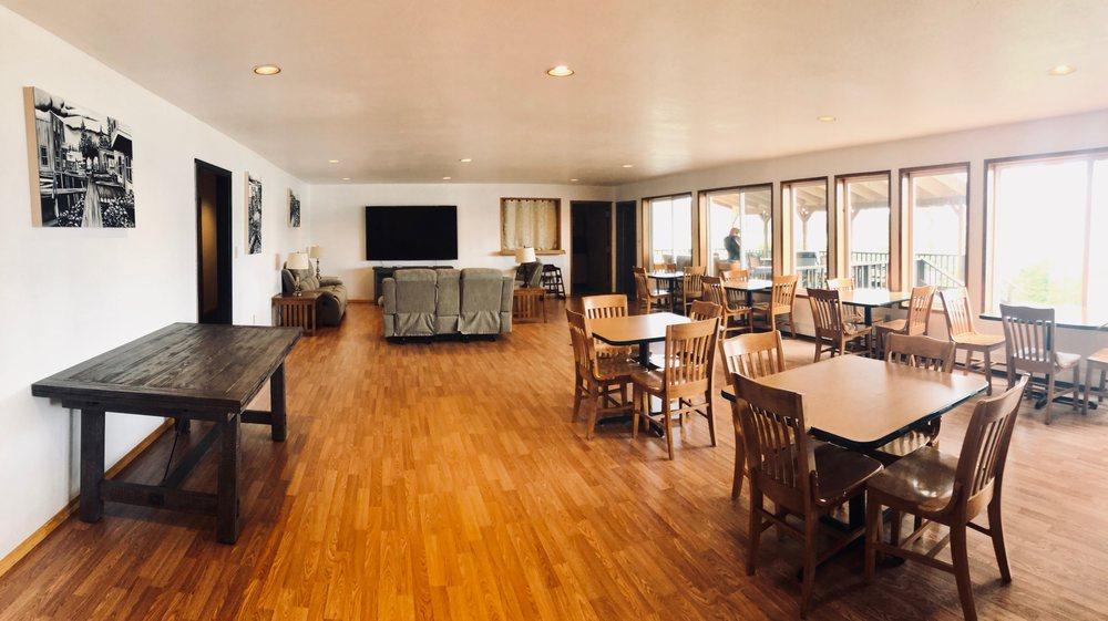 Sunnahae Hotel: 512 Water St, Craig, AK