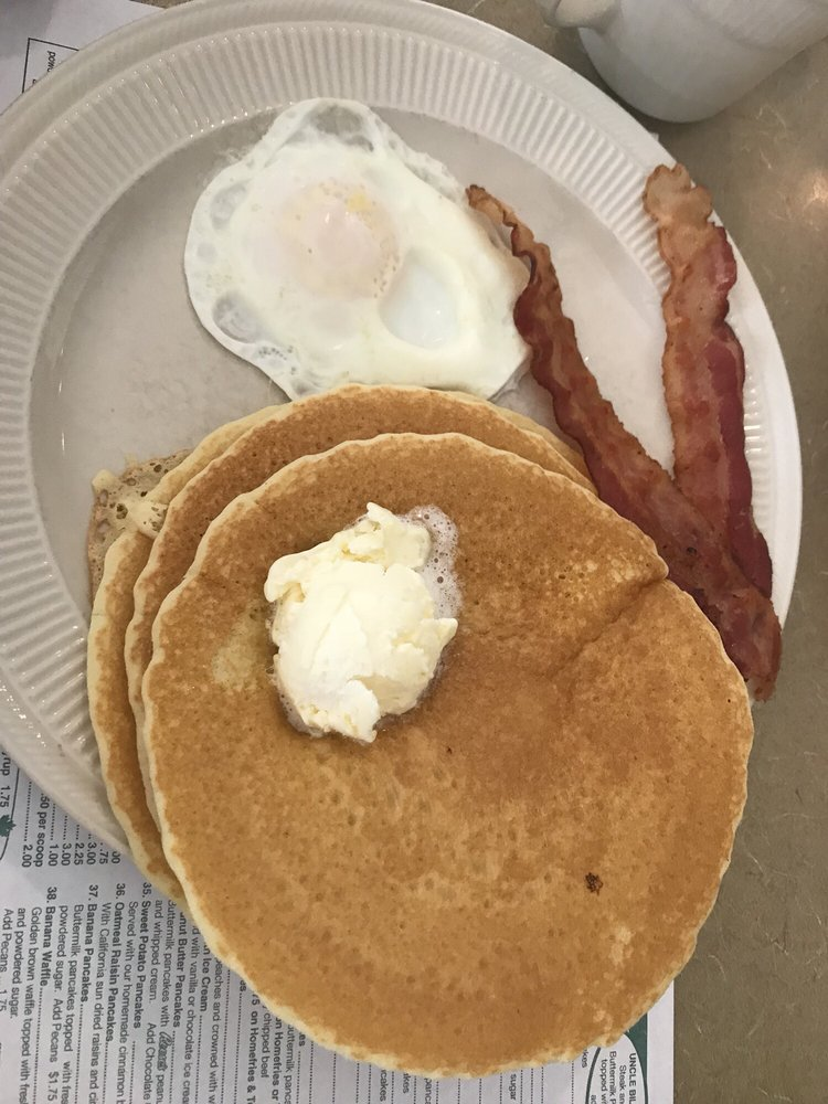 Uncle Bill's Pancake House: 3820 Bayshore Rd, Cape May, NJ