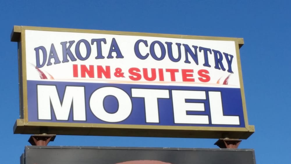 Dakota Country Inn: 821 E 7th St, Platte, SD