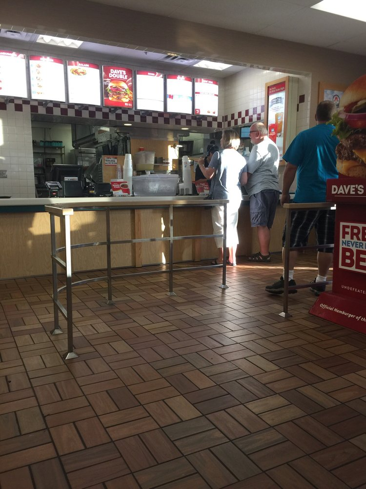 Wendy's: 30035 County Rd 8, Arbuckle, CA