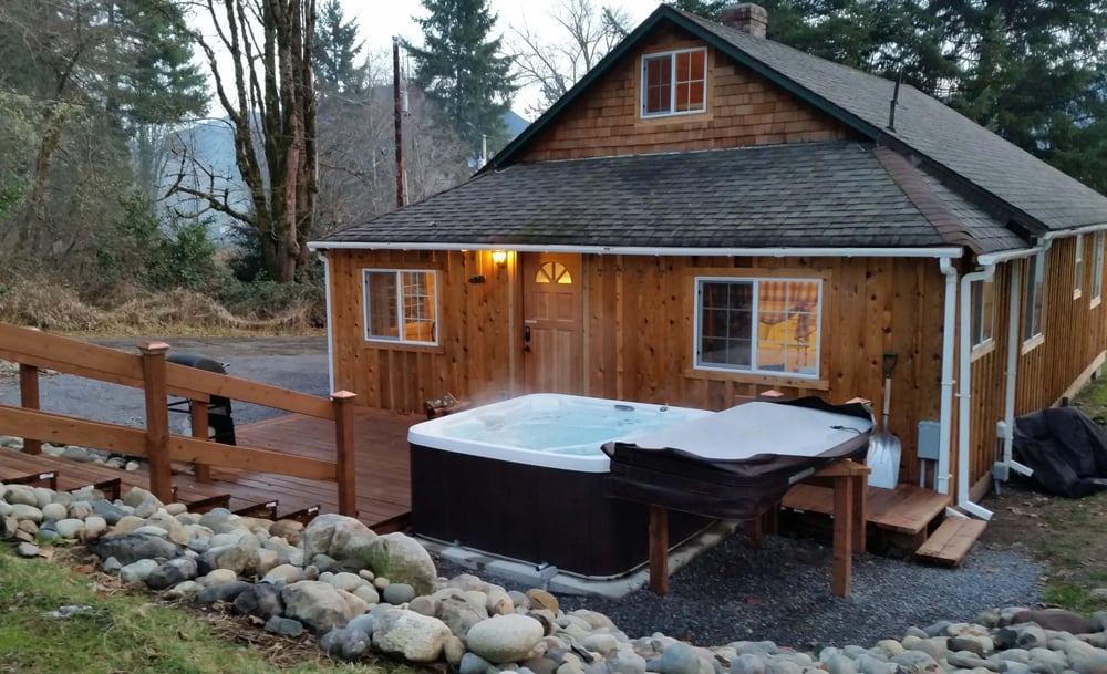 Rainier Cottages: Ashford, WA