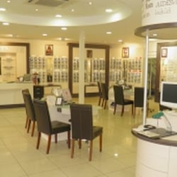 981ecbfd82b54 Optical Center - Eyewear   Opticians - 4 bis rue Ordronneau