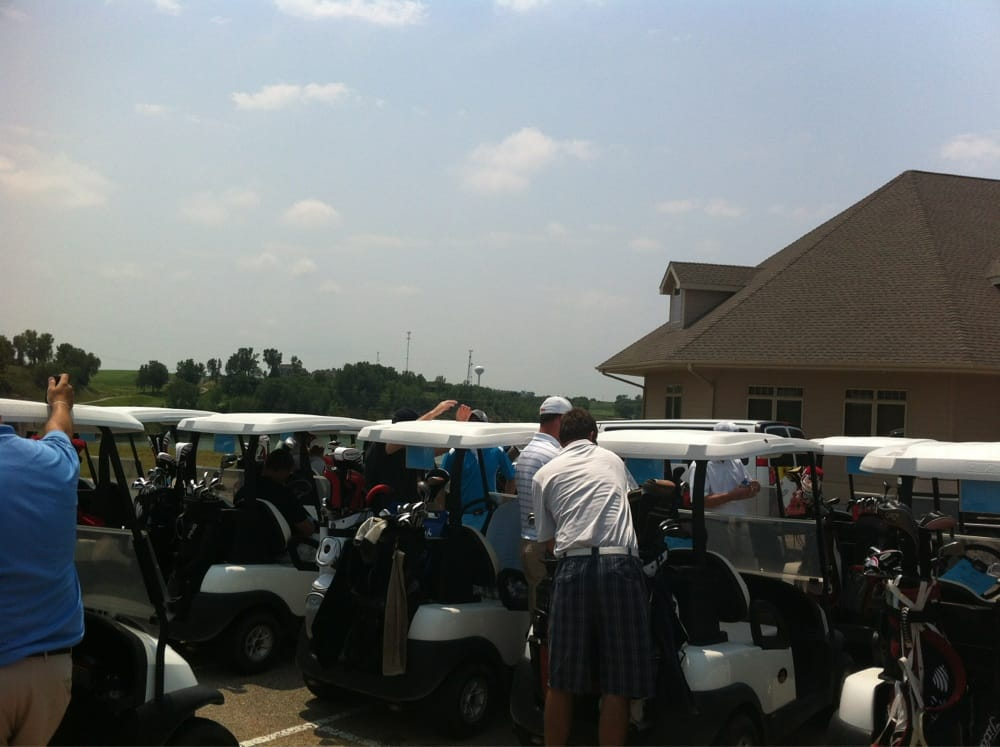 Iron Horse Golf Club: 900 Club House Dr, Ashland, NE