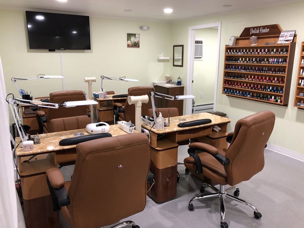 Comfy Cozy Nails: 64 Crystal Ave, Derry, NH