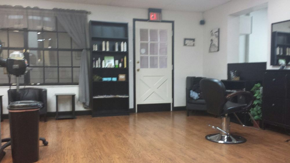 Salon 6100: 6100 South Apopka Vineland Rd, Orlando, FL