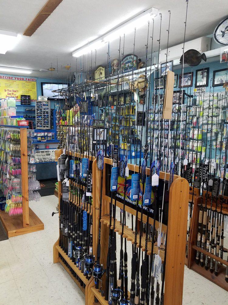 Combs Bait & Tackle: 74 Merrick Rd, Amityville, NY