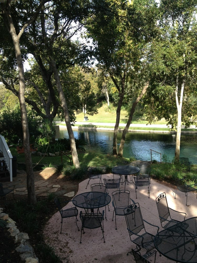 Comal River Cottages Vacation Rentals 405 East Zink St