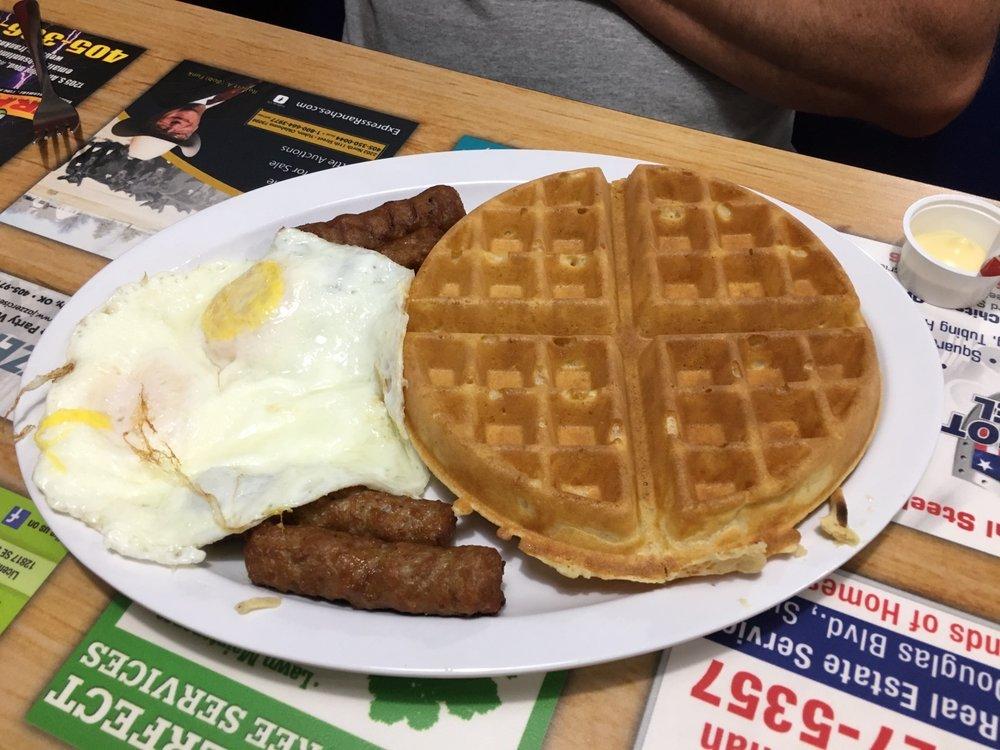 Dixie Diner: 11201 NE 23rd, Nicoma Park, OK
